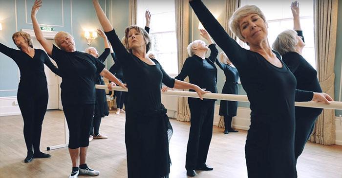 191d15ef1c Como funciona a aula de ballet para a terceira idade - Nas Pontas